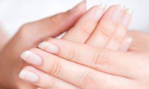 Unhas frágeis: Como o uso de medicações orais e tópicas aumenta a eficácia do tratamento?