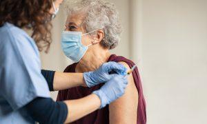 Vacinas contra o coronavírus: conheça os grupos prioritários e entendam sobre a imunização
