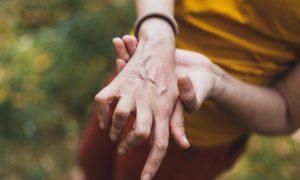 Artrite reumatoide: conheça a doença e as suas particularidades
