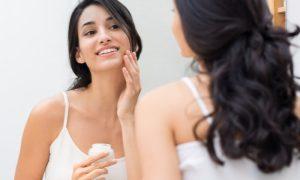 Pele sensível: quais são os principais cuidados diários para peles sensíveis ou que estão sensibilizadas?