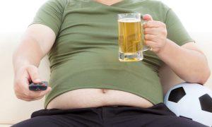 O que pode fazer o fígado acumular gordura?