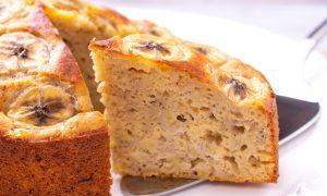 Receita sem lactose: bolo de banana com leite de coco