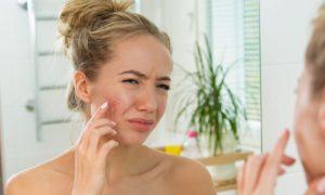 Quais cosméticos devem ser evitados por quem tem pele sensível?