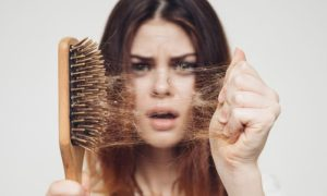 Queda de cabelo: COVID-19 pode ser a causa?